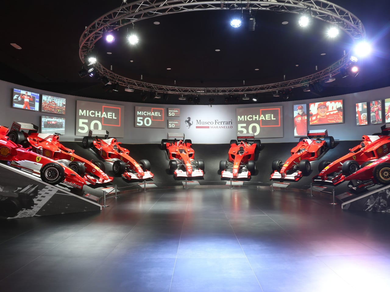 Hommage à un grand de la F1… L'exposition «Michael 50» au musée Ferrari