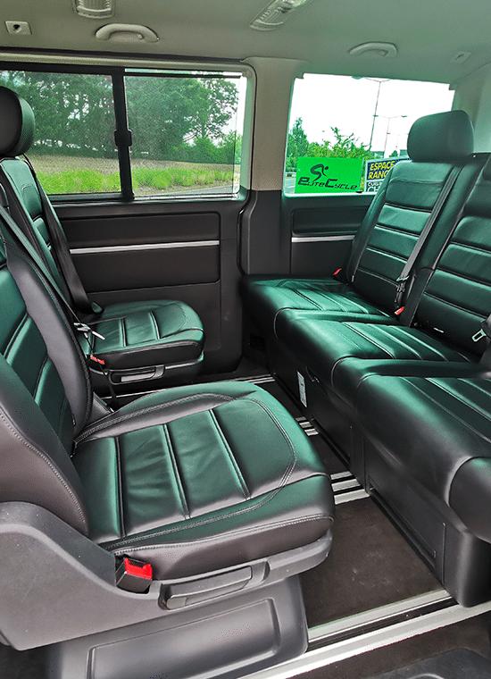 L'intérieur d'un minibus